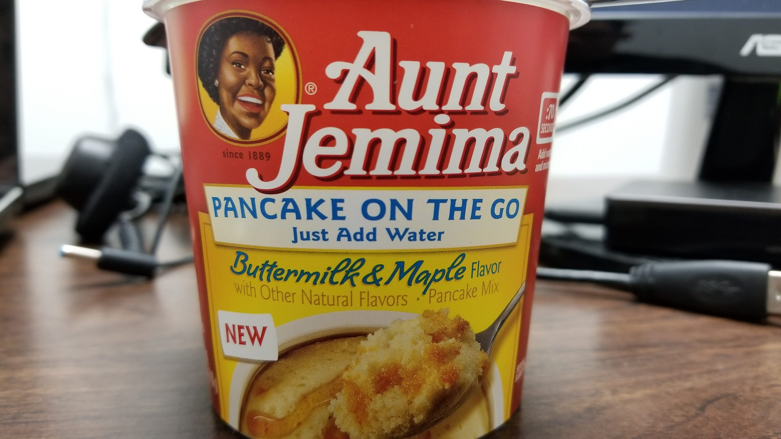 aunt jemima buttermilk and maple pancake cup