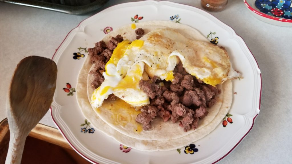 eggs on top of meat - how to make eggs